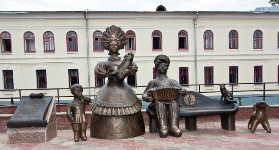 20.teletrade Киров, Россия. Памятники беременным женщинам