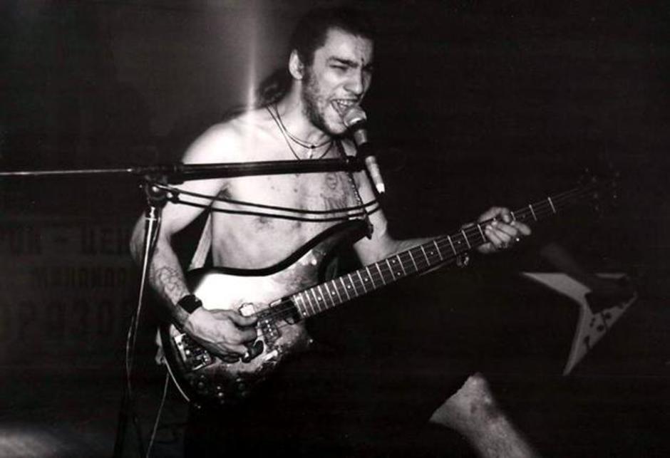 Анатолий Германович Крупнов (основатель и вокалист группы «Чёрный обелиск») родился в Моск