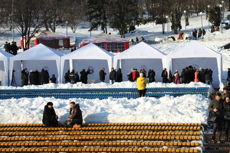 Шатры зимней выставки цветов на Певческом поле