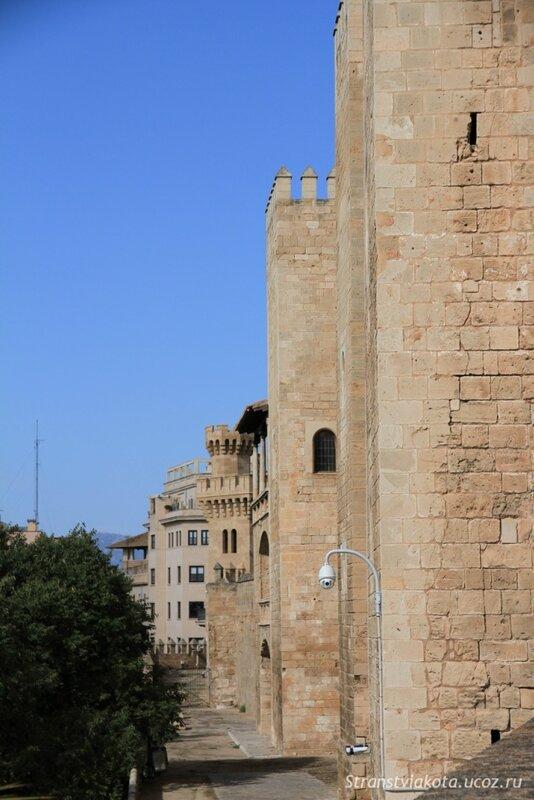 Майорка, замок Амульдайна