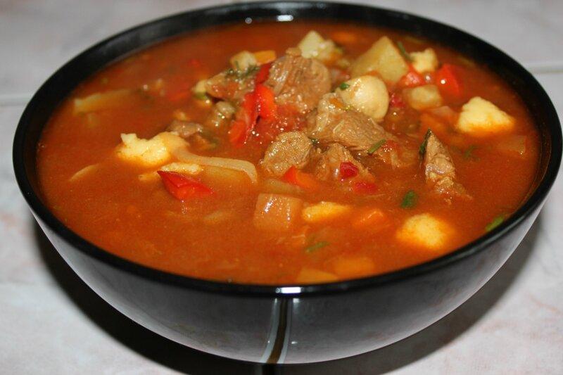 Венгерский суп гуляш с говядиной