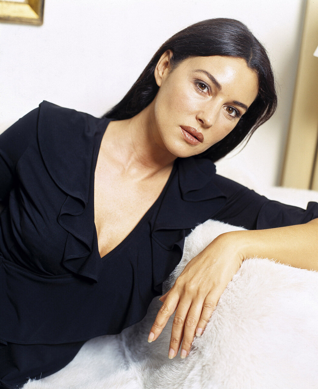 MONICA BELLUCCI STUDIO SHOOT
