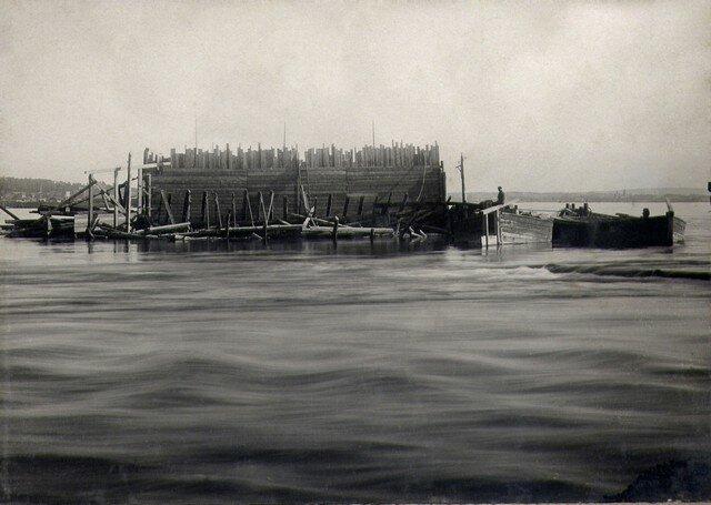Кессон №3 после аварии, за 7 км ниже моста 12.9.1932