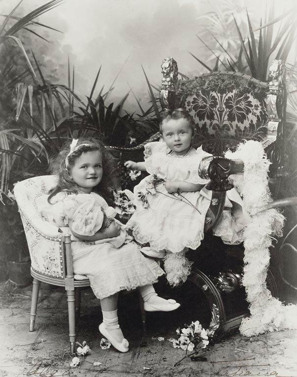 Великие княгини Ольга и Татьяна. 1898