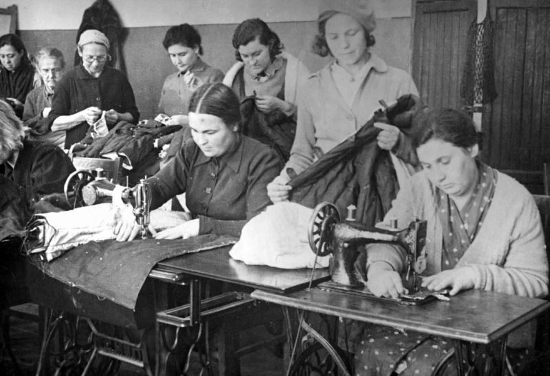 Пошив одежды на швейных машинах