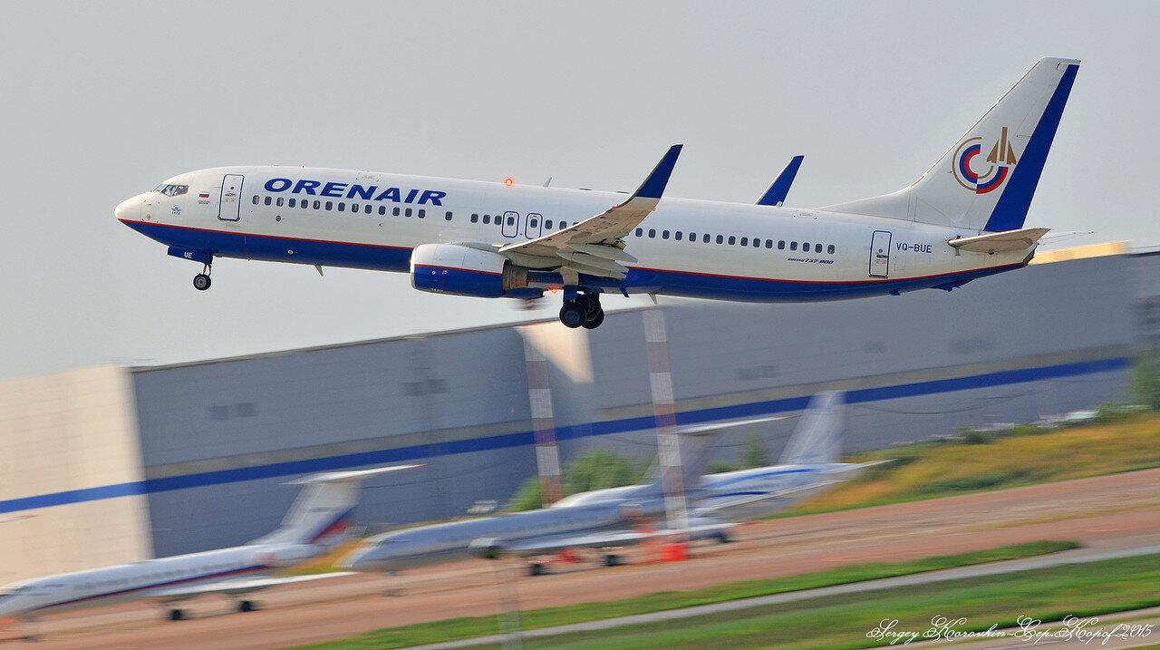 Boeing 737-8GJ Orenair VQ-BUE.JPG