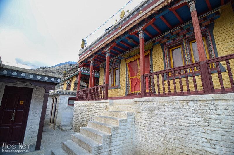 буддистский храм в Марпе, Непал