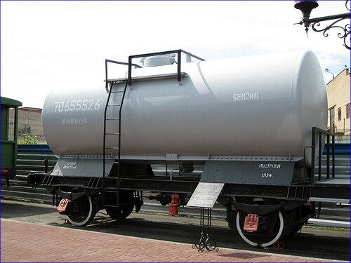 Цистерна для бензина (03.04.2013)