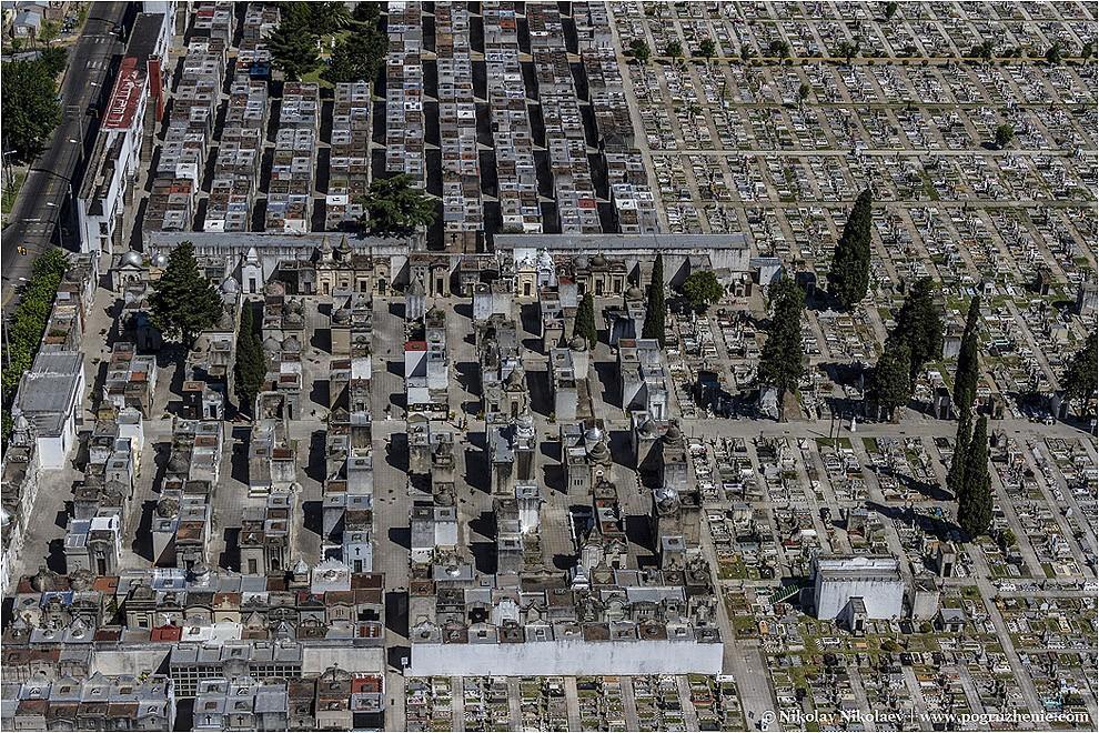 32. Кладбищные квадраты кладбища Риколета в Буэнос-Айресе