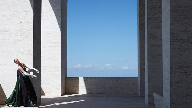 Надя Бендер и Эшли Гуд для Fendi (17 фото)