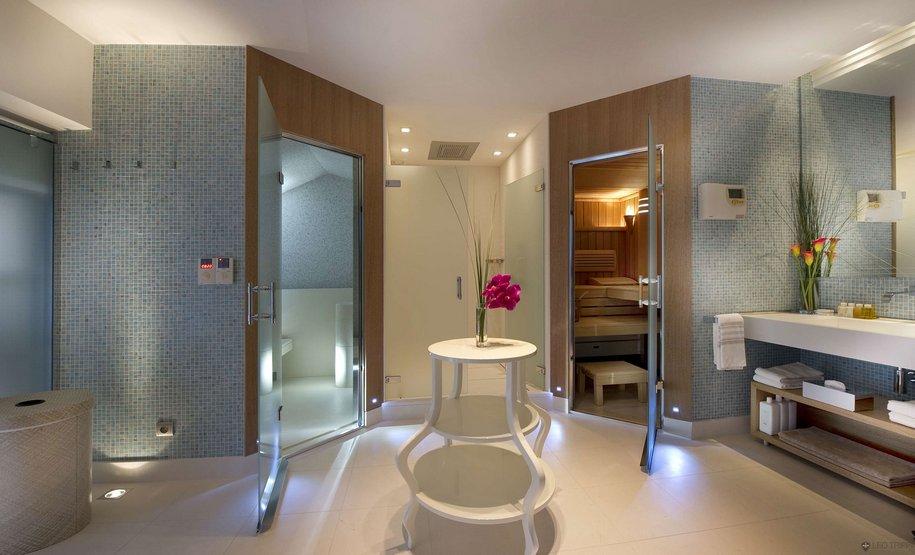 Отель Villa на Лазурном Берегу во Франции за 30.000 евро в неделю