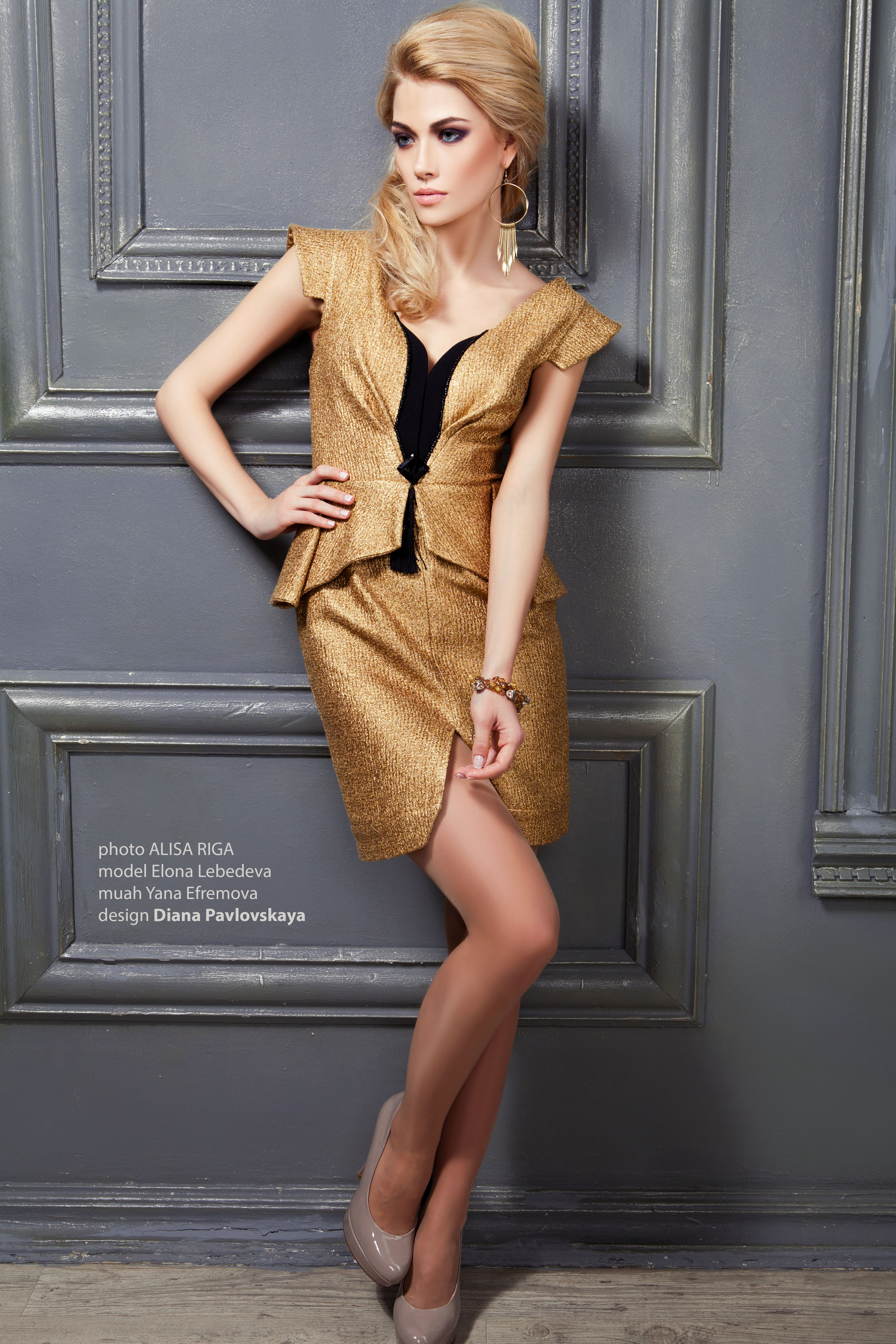 модные золотые платья