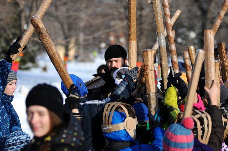 В Москве состоялась грандиозная битва на картонных трубах