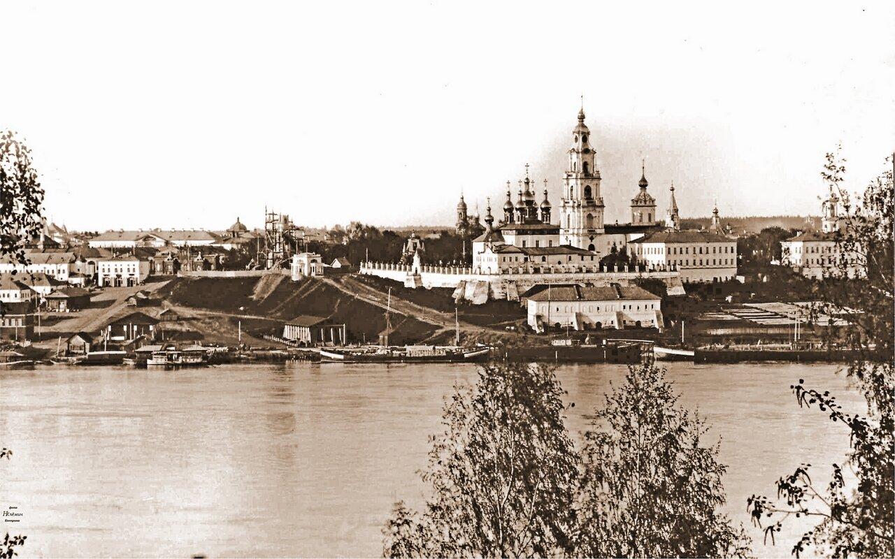 Средняя часть города с Заволжья.