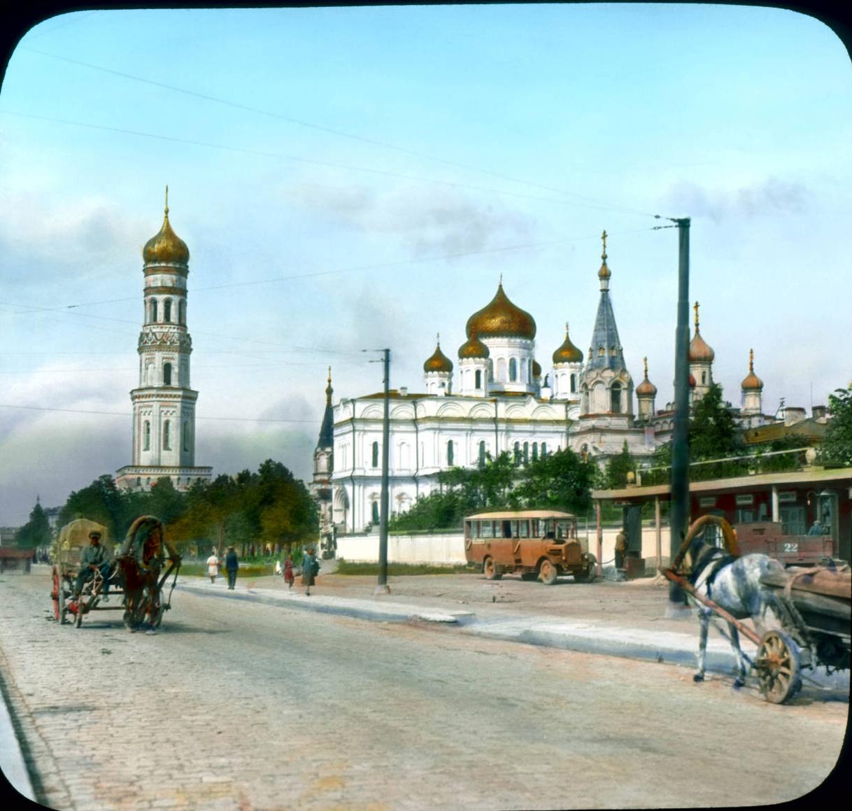 Санкт-Петербург. Московский проспект с Новодевичим монастырем