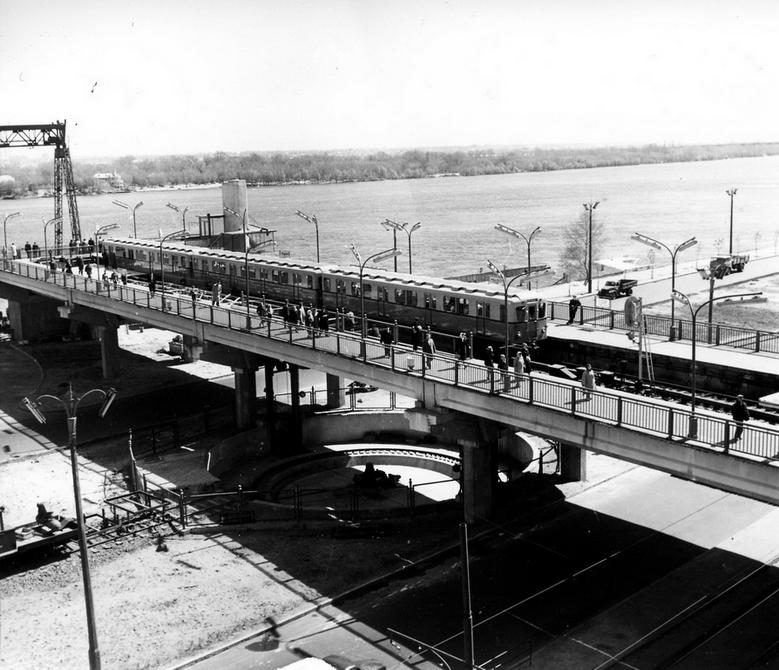 1961. Общий вид станции метро Днепр