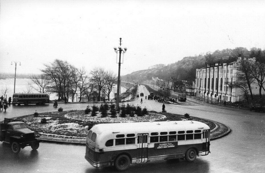 1951.12.21. Почтовая площадь