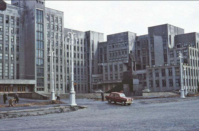 Минск Дом Правительства 1961.jpg