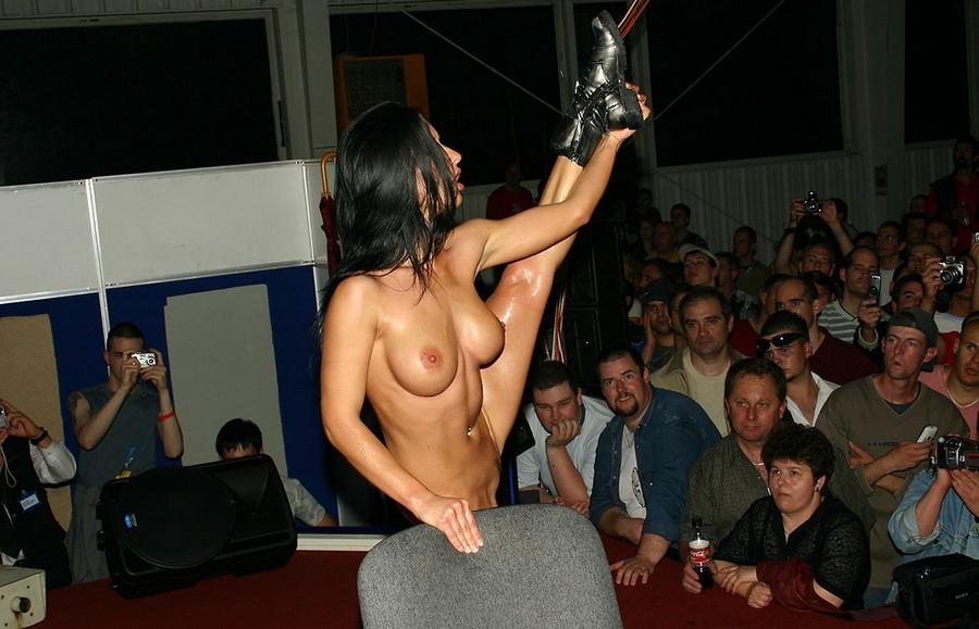 Смотреть эротические шоу онлайн 8 фотография