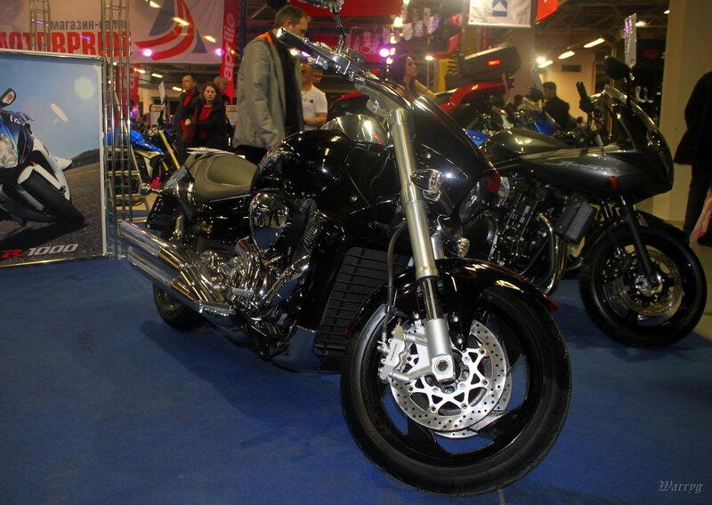 Мотоцикл Suzuki Intruder VZR1800