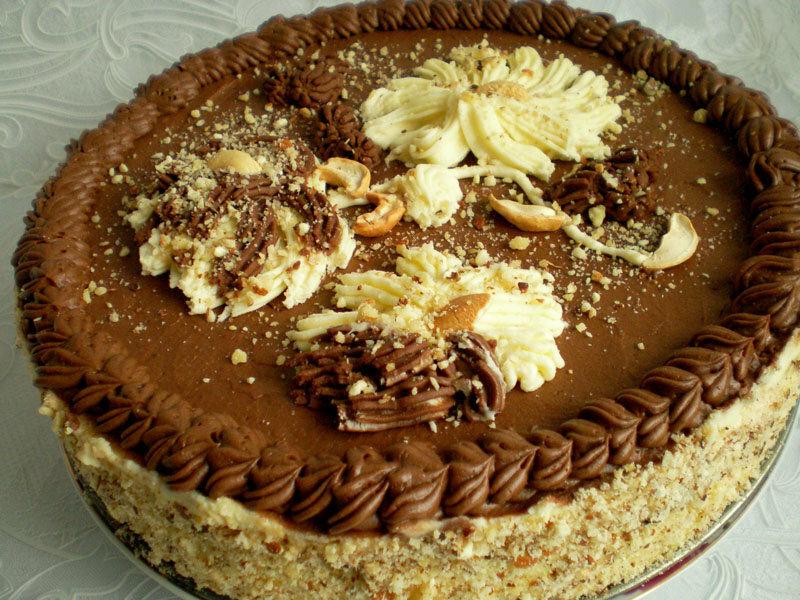 Киевский торт домашнего приготовления