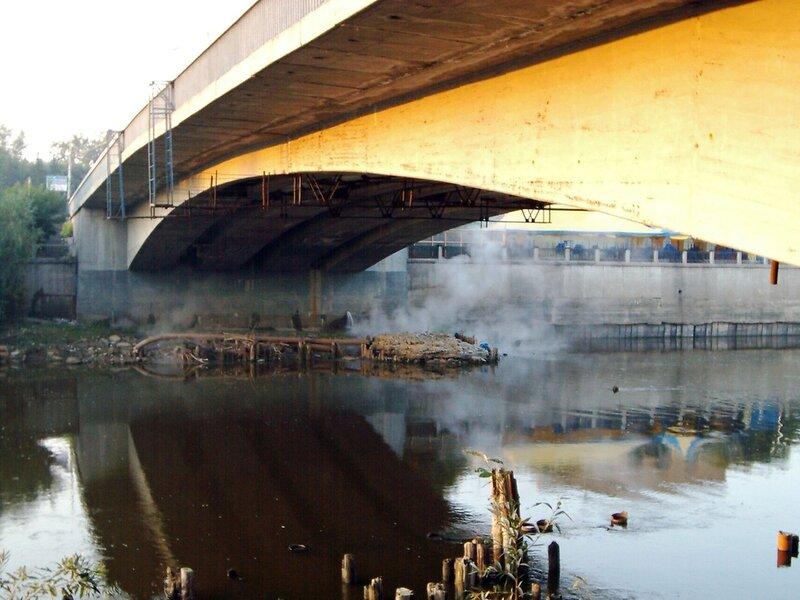 Река под Юбилейным мостом