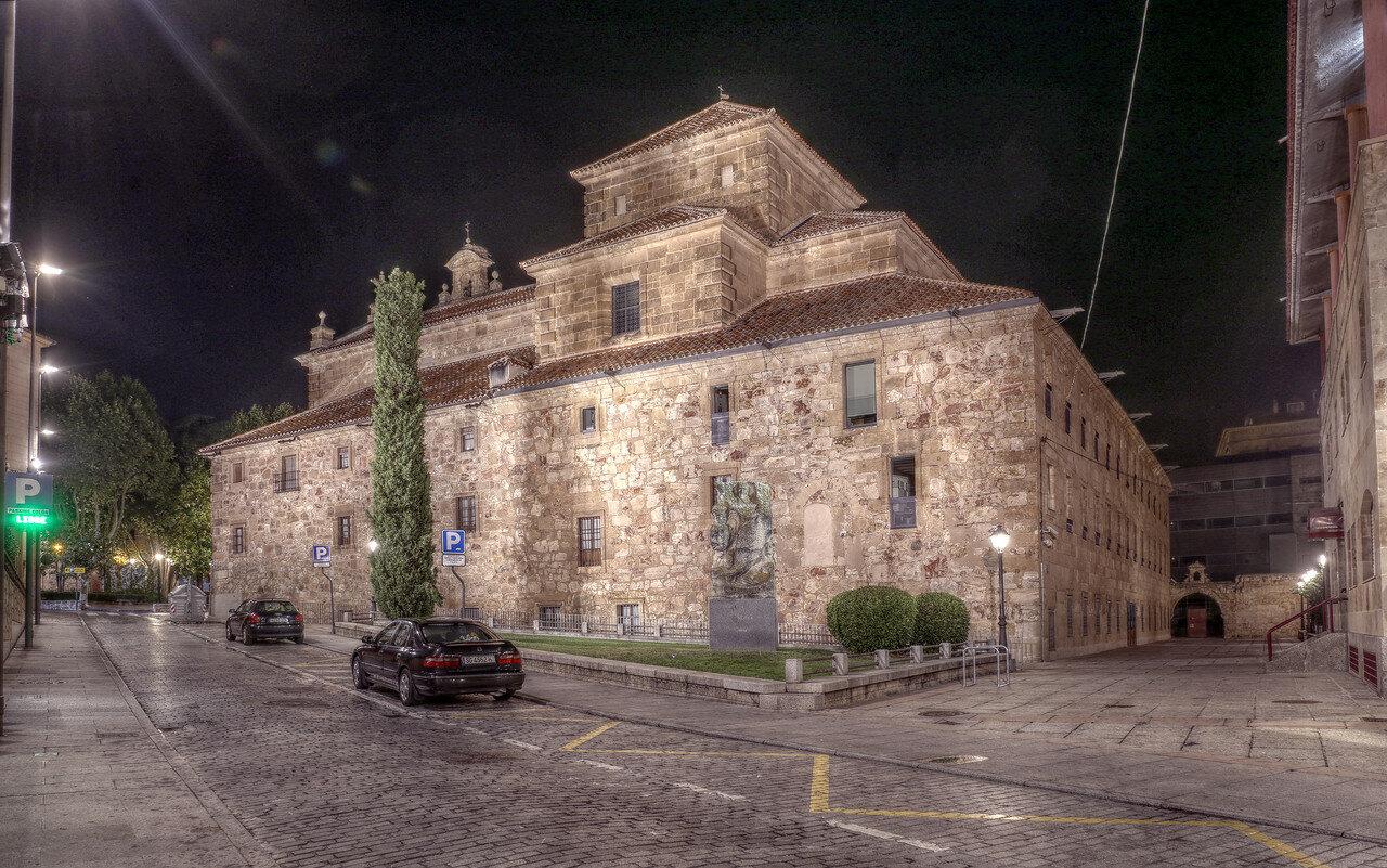 Ночная Саламанка. Церковь Святого Павла (Iglesia de San Pablo). HDR