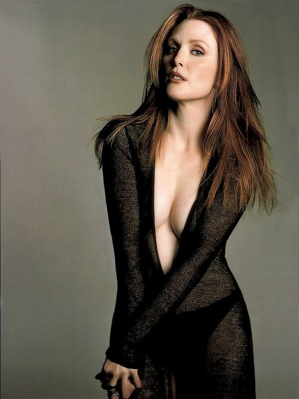 Paparazzi bikini photos of Julianne Moore.
