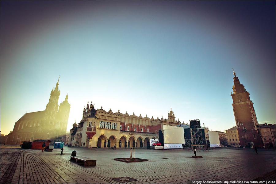 Утро 1 января га Площади Главного Рынка в Кракове