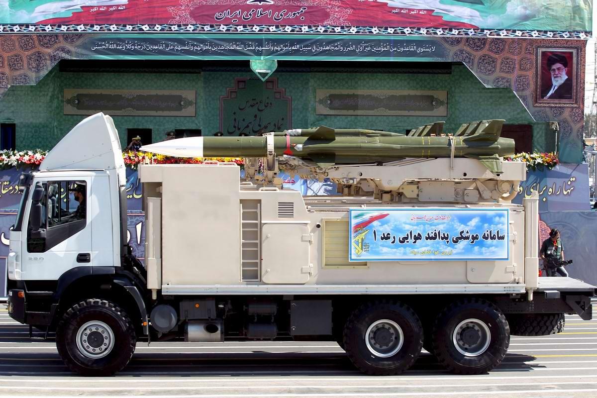 К 35-летию с момента начала ирано-иракской войны: Военный парад в Тегеране (14)