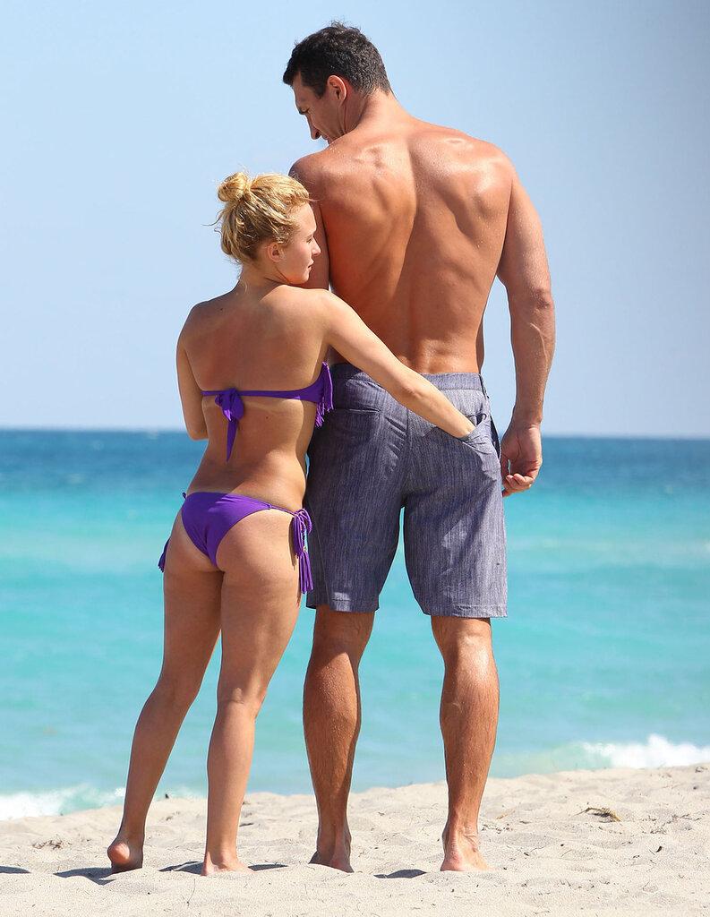 Частное фото голых девушек на пляже после секса