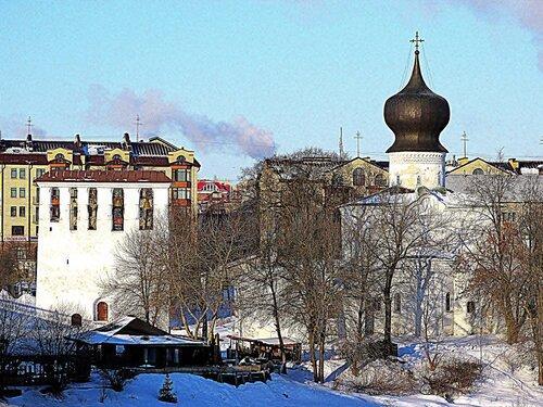 Церковь Успения с Парома со звонницей во Пскове