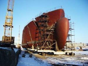 Виктор Ишаев посетил завод «Звезда» в Большом Камне