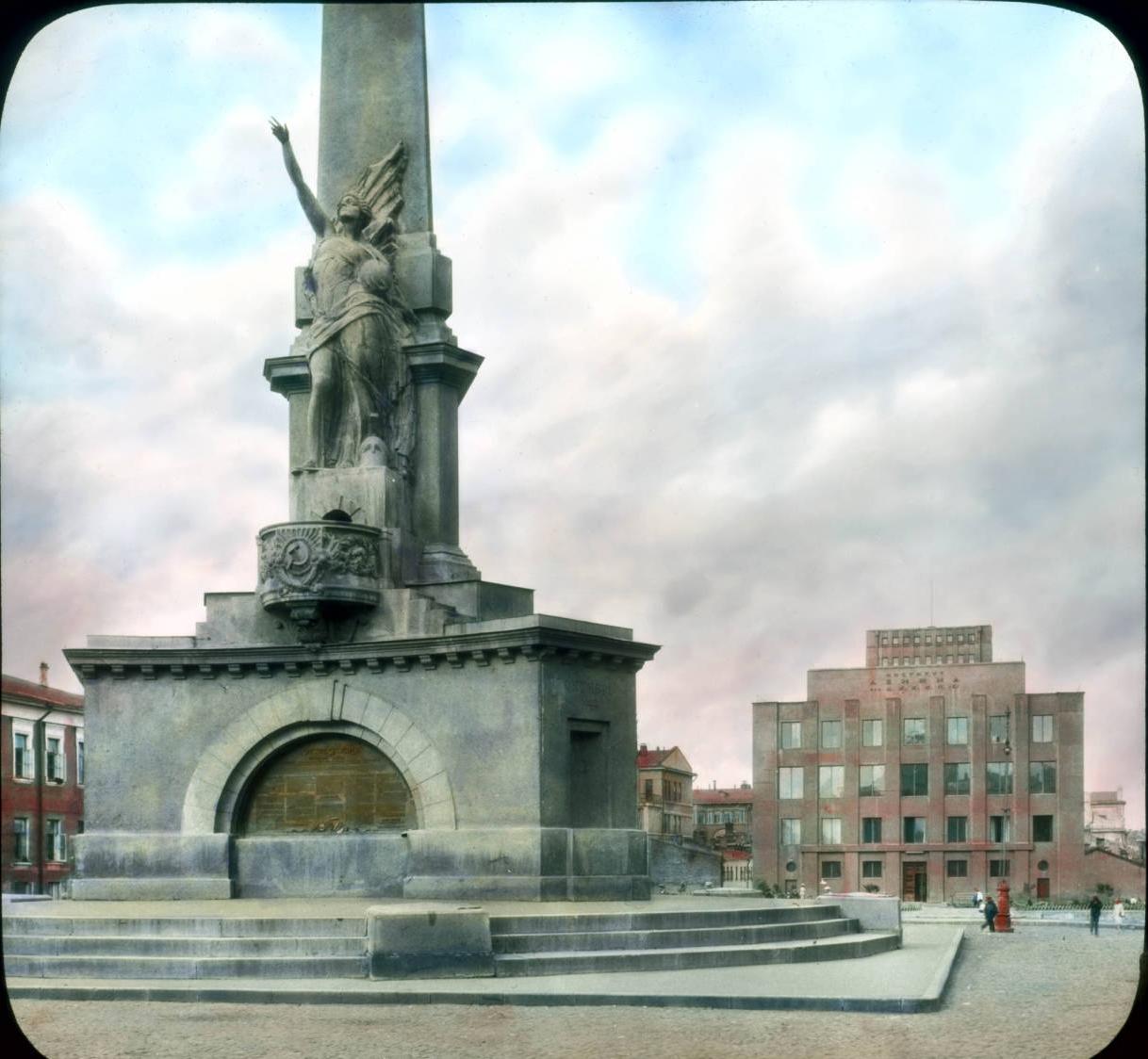 Москва. Тверская площадь. Памятник Победы