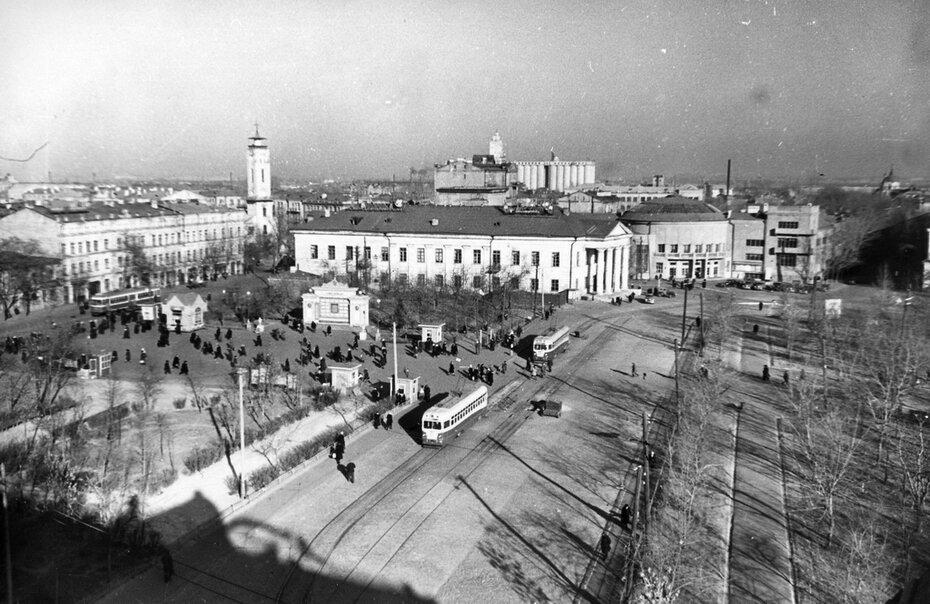 1953.11.20. Контрактовая площадь