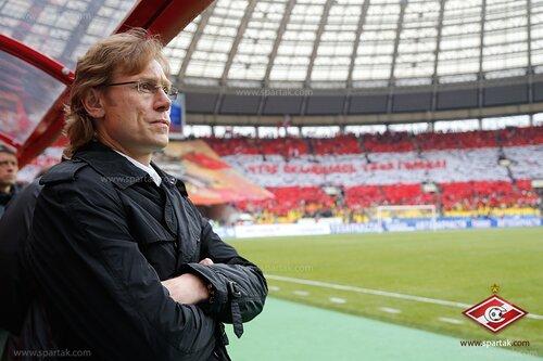 Валерий Карпин: В «Спартаке» теперь никто друг за друга не бьется? (Видео)
