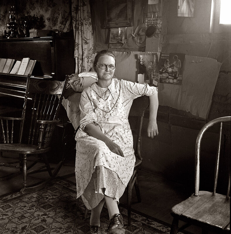a biography of dorothea lange an american documentary photographer