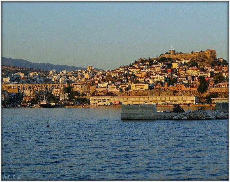 Кавала с моря - город и крепость (4).jpg