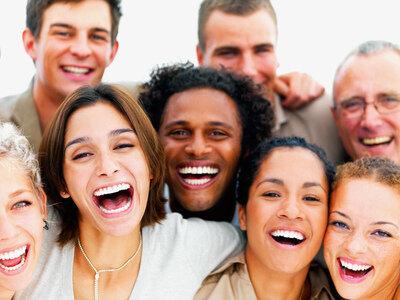 Ваши искренние широкие улыбки зажигают позитивом!