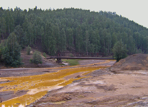 Ржавая река