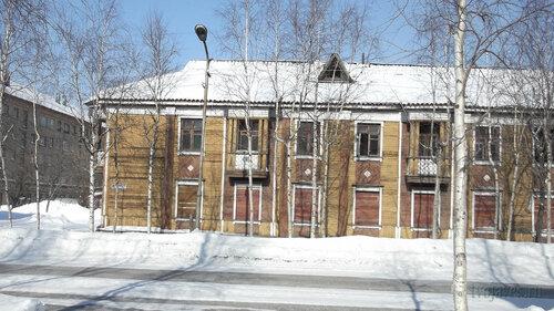 Фото города Инта №4038  Южная сторона Кирова 30 25.03.2013_12:11