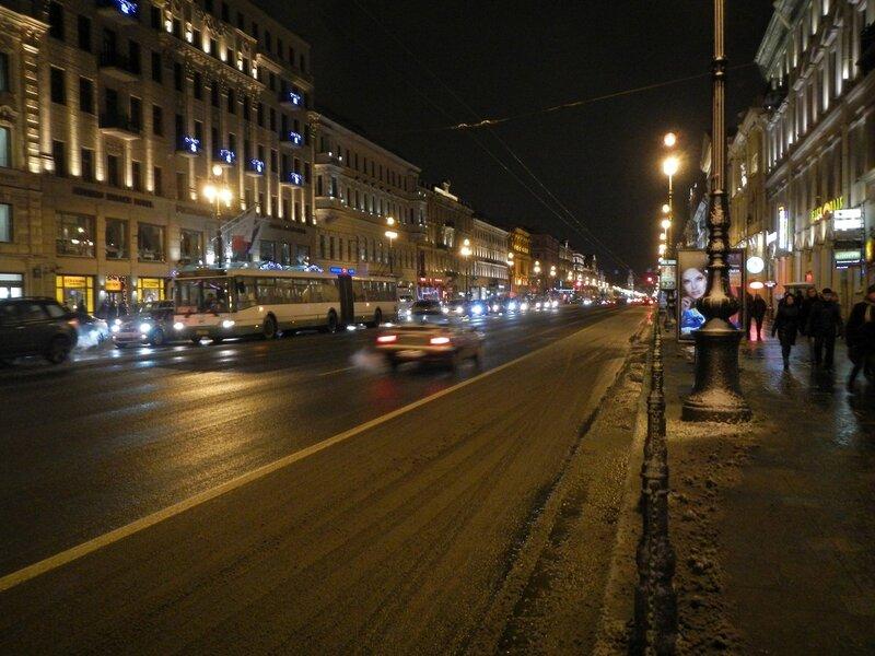 Невский проспект ночью