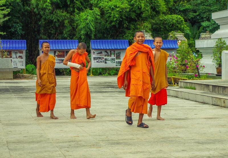 Юные монахи
