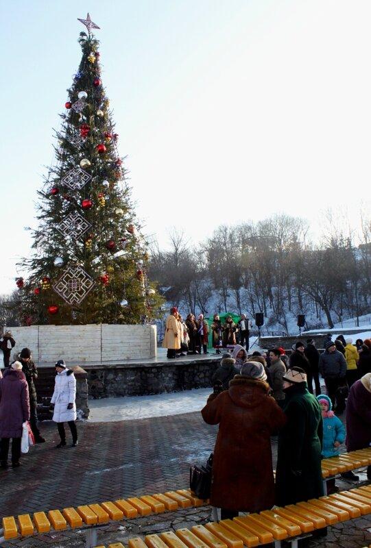 Церемония открытия зимней выставки цветов на Певческом поле