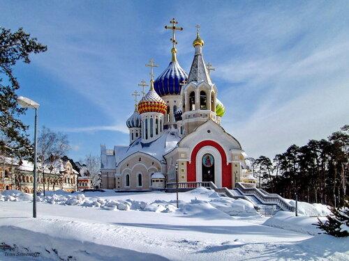 Храм св. князя Игоря Черниговского в Переделкино.