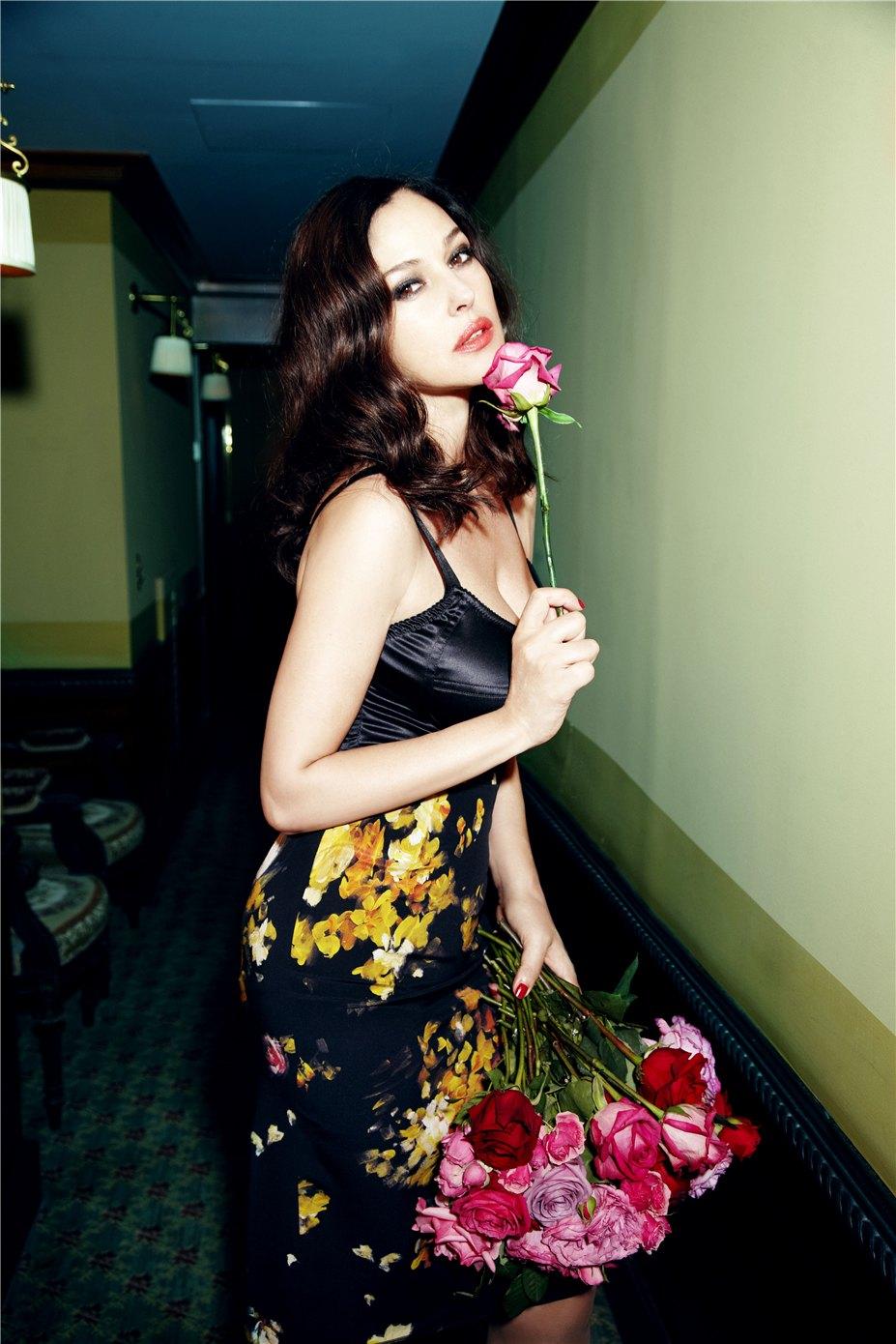 Monica Bellucci / Моника Беллуччи, фотограф Ellen Von Unwerth в журнале Glamour Italia april 2012