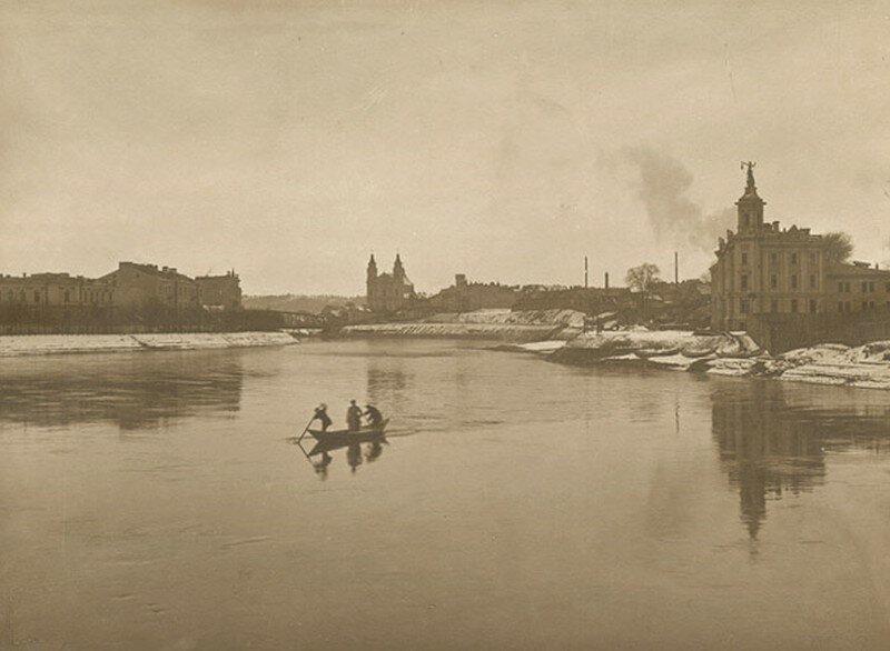 34. Вид города с реки