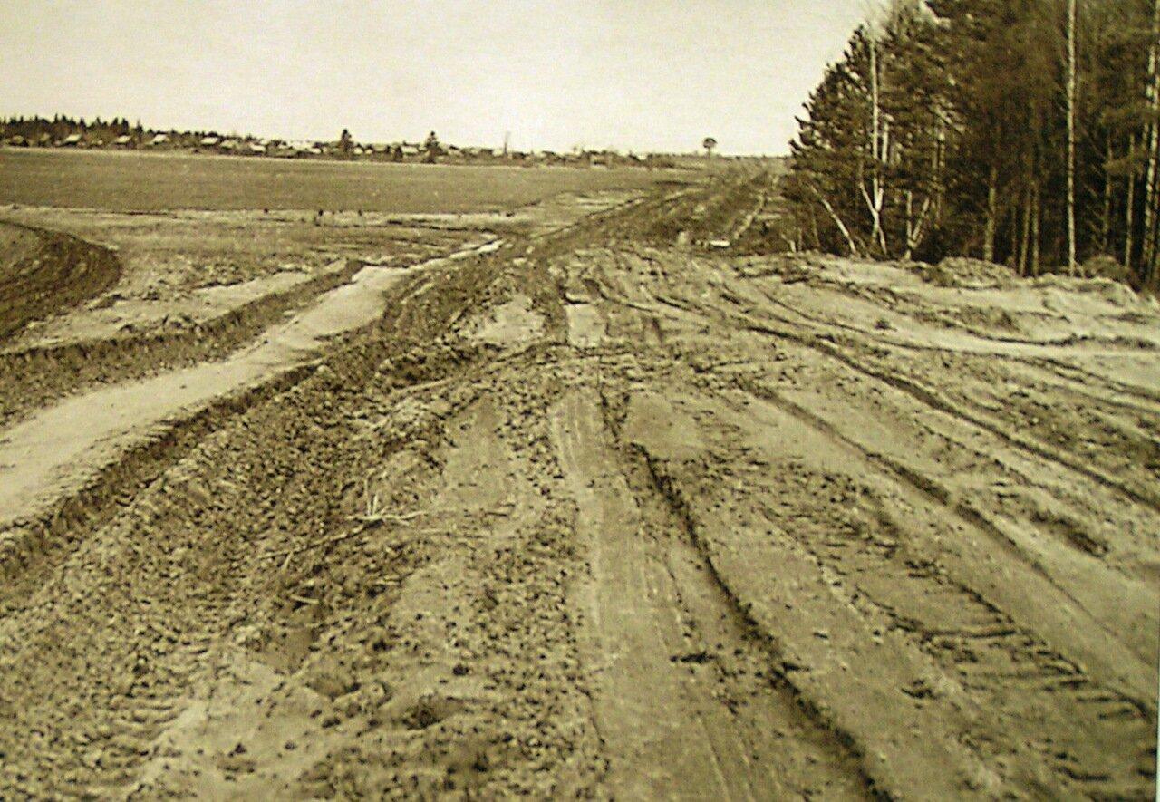 Строящаяся дорога до деревни Кунжо.