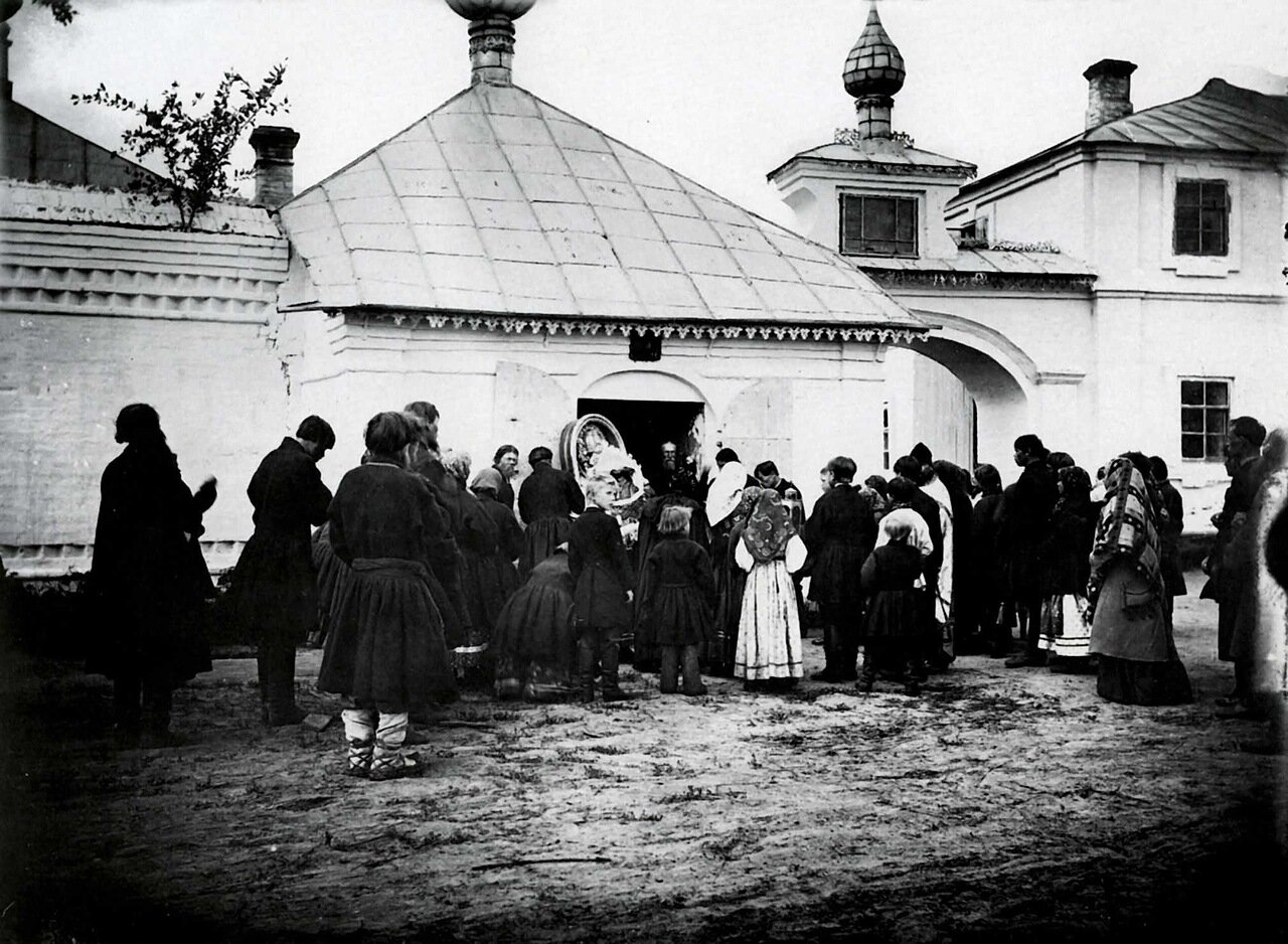Шествие за иконой Николая Чудотворца. 1894 г. г. Чебоксары