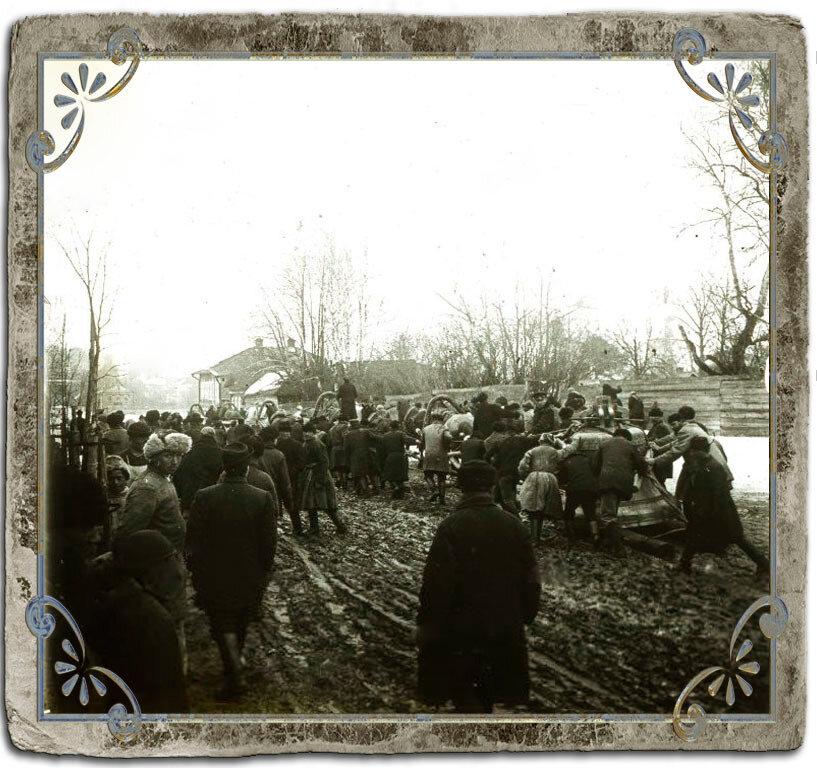 Перевозка колокола, 1907 год